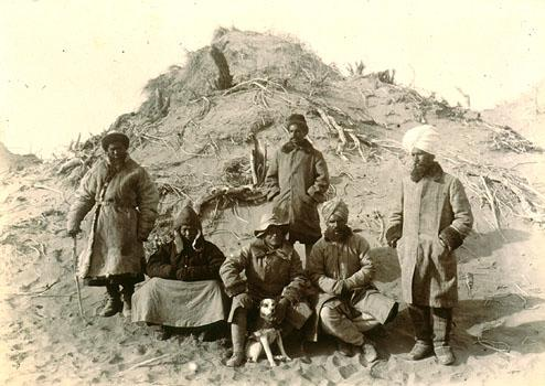 Groupe à Ulugh-mazar.
